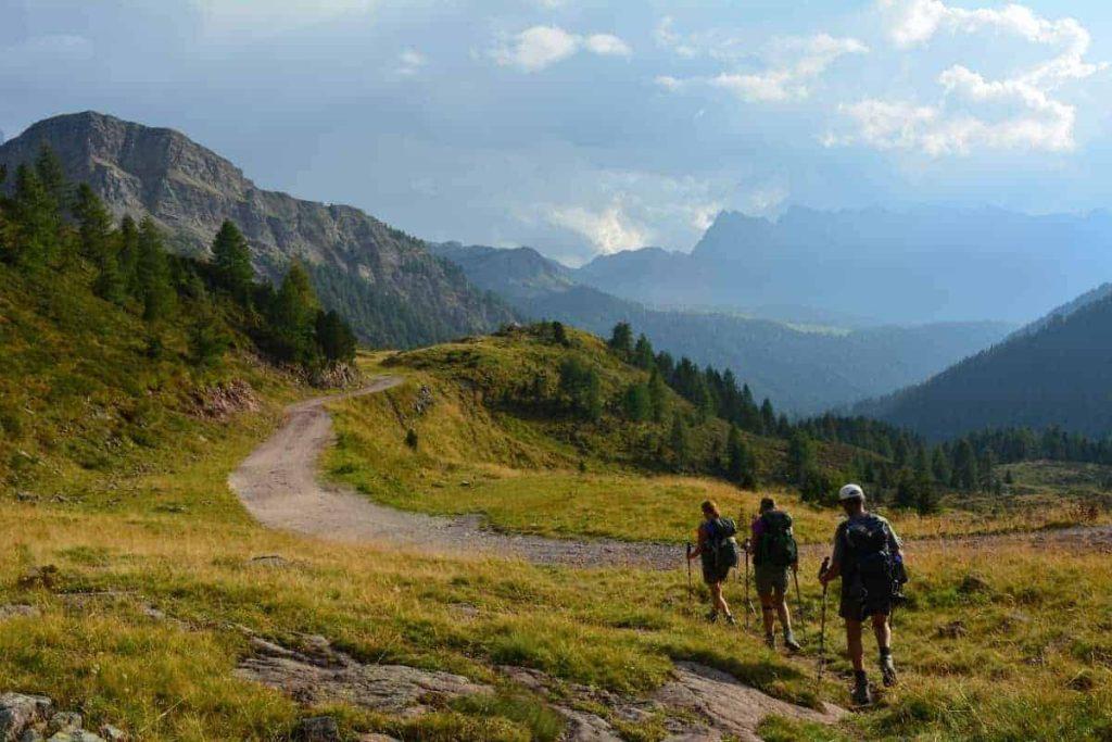 Alta Via 2 Dolomites Italy trekMountains Approaching Passo Valles (c) Kurt Lybaert 52