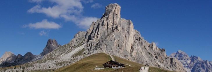 Passo-Giau-Alta-Via-1-Dolomites-Italy-©-trekMountains