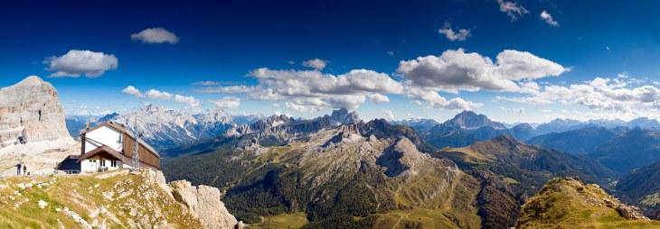 Rifugio-Lagazuoi-Alta-Via-1-Dolomites-Italy-©-C-Masters.jpg